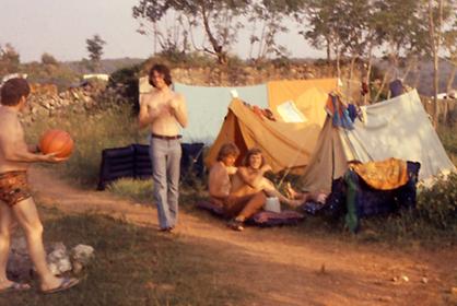 Erste Kontakte auf dem Campingplatz bei Njivice